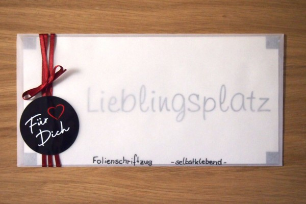"""Folienschriftzug """"Lieblingsplatz"""""""
