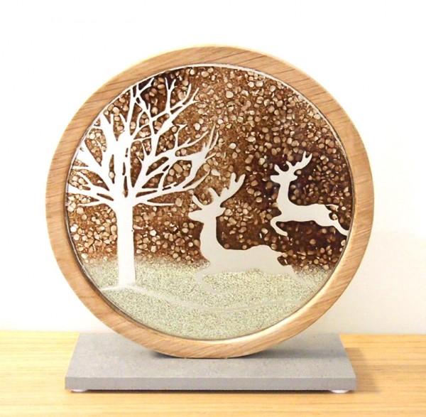 Glasdeko mit Holzeinfassung